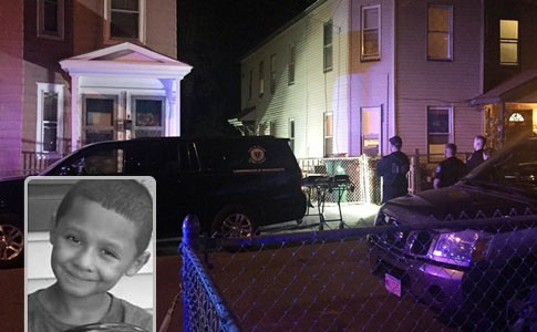 pit bulls kill 7 year old boy in lowell, Javian Candolario